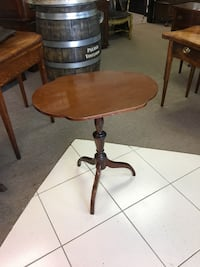 Oval wooden Flip Top Table Englishtown, 07726