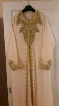 white and brown floral traditional dress Laval, H7M 3G9