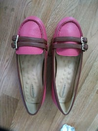 Women Flats in Pink and Brown   Brooklyn, 11236