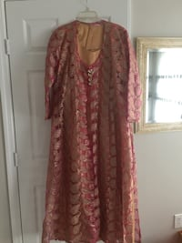 women's red and brown floral dress Ashburn, 20147