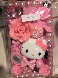 Pink and white hello kitty phone case pack San Diego, 92119
