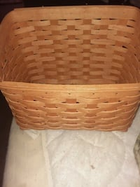 brown wicker basket. Longaberger  Greencastle, 17225