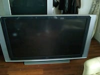 72 inch sony tv with 2 bulb Wentzville