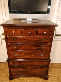 Nice solid wood tallboy ETHAN & ALLEN dresser with 8 drawers in good c Annandale, 22003