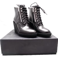New! Marc by Marc Jacobs Ankle Boots size 8