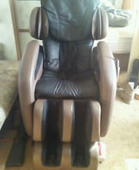 Massage chair kahuna LM-6800 auto body scan works like new