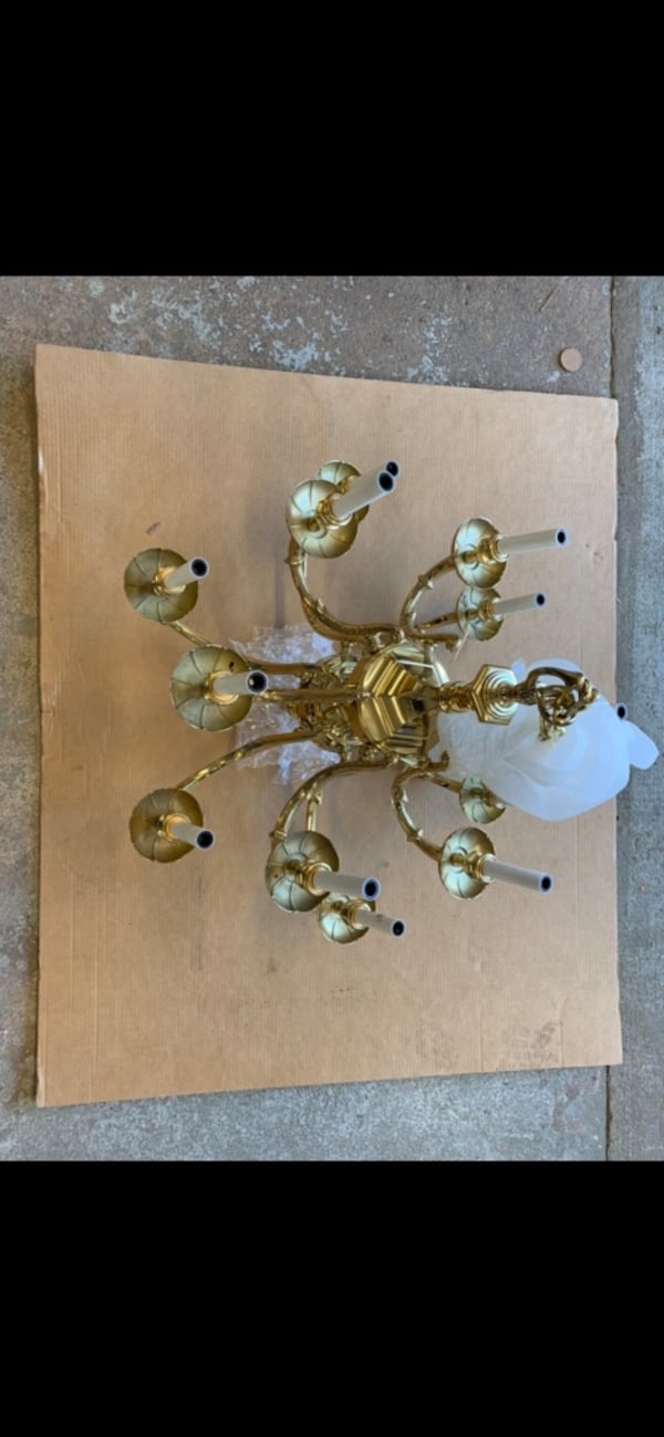Solid Brass chandelier with matching wall sconces 243c14ff-1ff8-4866-8e33-0899bf81951e