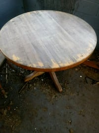 round brown wooden pedestal table South Bend, 46628