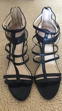 Nine West black leather ankle strap sandals size 10. Only been worn once .