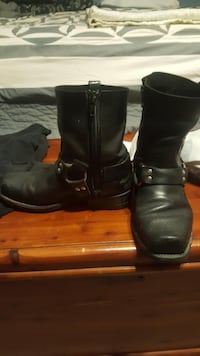 Pair of black leather boots Elsmere, 41018