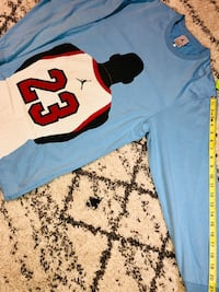 Air Jordan long sleeve. Size small. Measurements in pics  Vancouver, V5S 4Y1