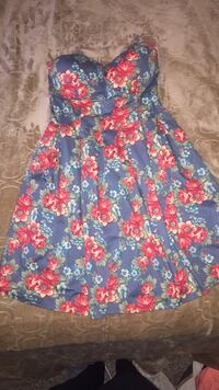 blue and red floral sleeveless dress Canton, 44714