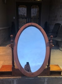 Free wood mirror for top of table or dresser Vaughan, L4J 8S4