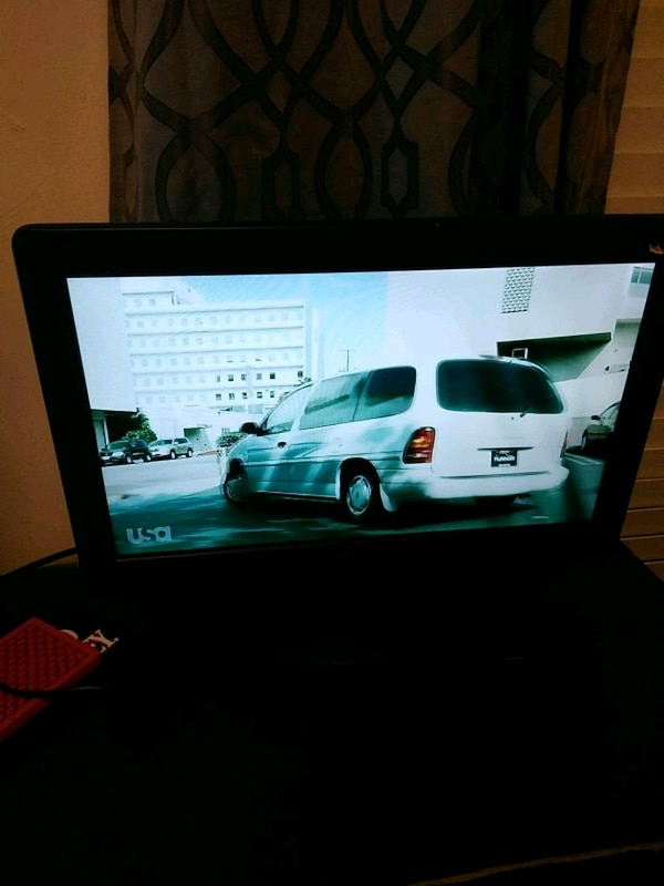 Flat screen 19inch sansui lcd