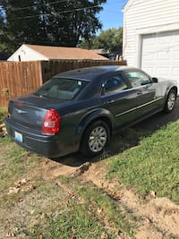 2008 Chrysler 300 open to trades Louisville
