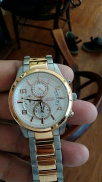 round silver chronograph watch with link bracelet Livermore, 94551