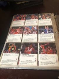 Assorted baseball trading card collection it in good condition Jersey City, 07304