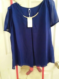 Blue tunic new, with necklace