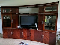 Entertainment Center Dixon, 95620