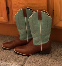 Women's boots size 9 Temecula, 92592