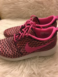 Women's Nike shoes size 7 Alameda, 94501