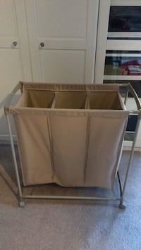 3 compartment laundry system on wheels Pickering, L1V 1A6