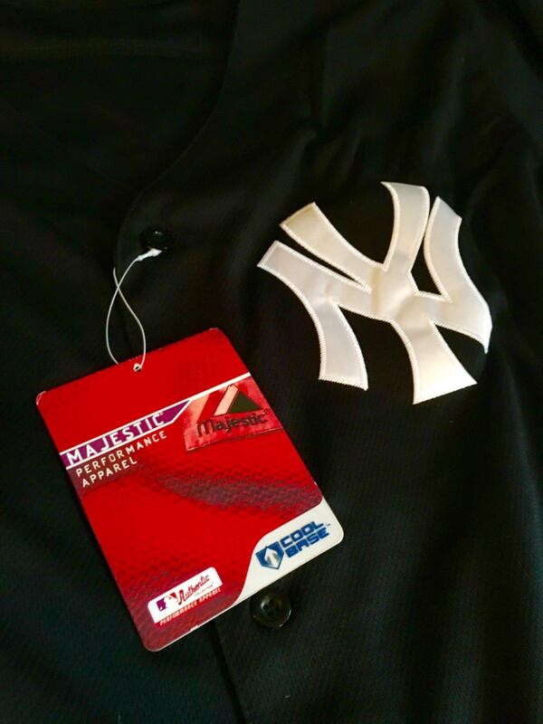 NY Yankees Jersey #33 - Brand New, size 52 2