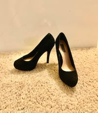 Steve Madden pumps Canyon Country, 91387