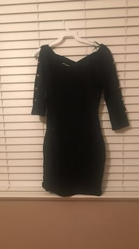 women's black v-neck long-sleeved bodycon mini dress Fresno, 93711