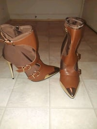 pair of brown leather open toe ankle strap heels Alexandria, 22302