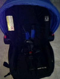 blue and black car seat carrier Gatineau, J9H 3C7