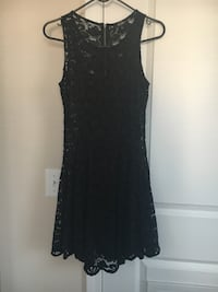 Black lace cocktail dress size S (never been worn ) Manahawkin, 08050