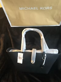 Brand New with tags Large Michael Kors tote!  Toronto, M6E 3R8