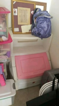 white and pink plastic book case and storage bin Orlando, 32837