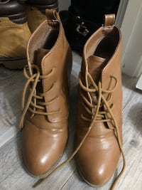 Brown heeled lace up boots - size 7 Guelph, N1G 1H2