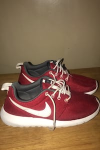 Ladies size 6 Nike shoes Johnstown, 15906