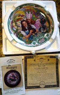 "Collectible ""Wizard of Oz, Music box Plate"". Murfreesboro"