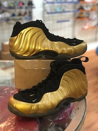 Gold foams size 13 Silver Spring, 20902