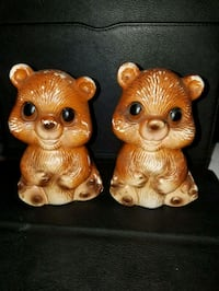 Vintage 5 inches tall Bear salt and pepper shakers Helena, 35080