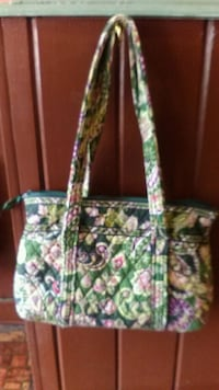 green and pink floral tote bag Fayetteville, 37334