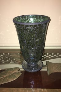 Home decor - Vase Halton Hills, L7G 6N6