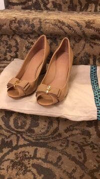 Tory Burch Wedges Great Neck, 11024