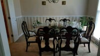 traditional dining room w/6 chairs Charleston, 29414