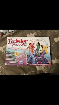 Twister Moves. Has the 3 disks plus a bonus disk and all 4 mats + instructions 3766 km