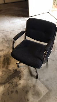 black and gray rolling armchair Wichita, 67212