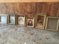 Several gold photo frames Quincy, 17202