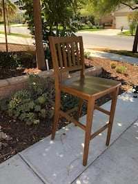 brown wooden chair with table St. Bernard, 45217