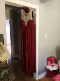 women's red sleeveless dress Toronto, M1R 3Y1