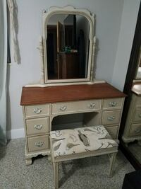 Shabby chic vanity desk with mirror and stool Saint Petersburg, 33710