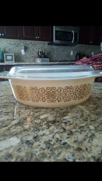 Vintage Pyrex Dish with Glass lid